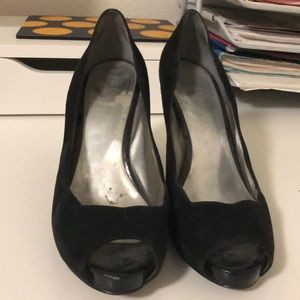 Black Guess by Marciano Black Heels Size 9.5